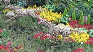 Singapore garden horse decoration
