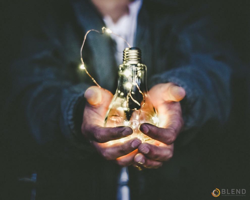 SEO Light bulb - riccardo-annandale-7e2pe9wjL9M-unsplash